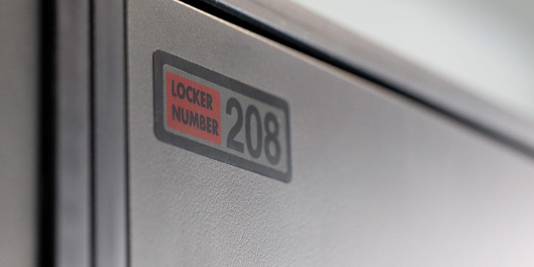 ban-laminate-locker2